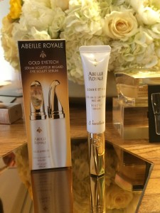 Abeille Royale Goldtech Eye Sculpting Serum: The full packaging