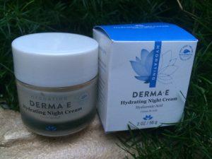 DERMA E jar and box